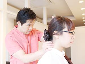 頸椎の施術風景